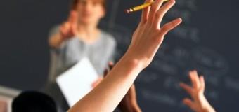 МОН вимагає від чиновників відчепитися від учителів